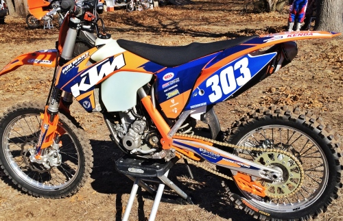 My bike early on in the season.  This was the graphics that my old teammate were going to share before that went however it went, but it was an early race and I felt good already.
